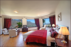 Dream House Guesthouse 4 star bed and breakfast accommodation situated in Hout Bay Valley